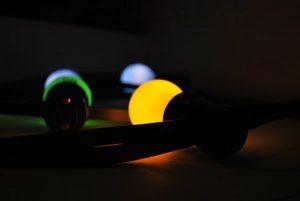 guirnalda E27 bombillas amarillas verdes y azules detalle