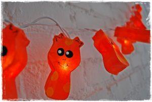 guirnalda luces jirafas naranjas iluminoteca