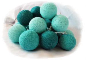 guirnalda luces bolitas algodon verdes y azules turquesa