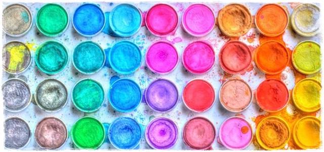 botes pinura de colores