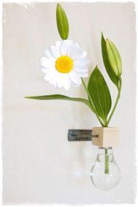 bombilla reciclada jarrón flor