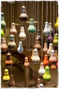 bombillas pintadas colores