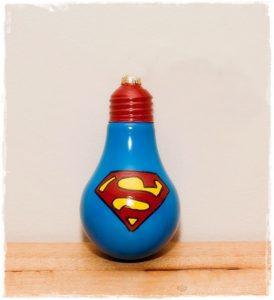 reciclar bombilla superman