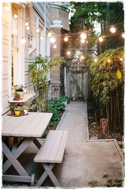 patio_estrecho_guirnalda_feria